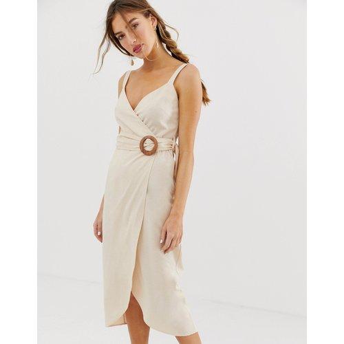 Robe portefeuille longue avec ceinture à boucle - ASOS DESIGN - Modalova