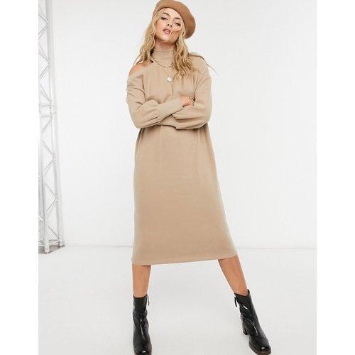 Robe pull mi-longue super douce avec découpes aux épaules - Camel - ASOS DESIGN - Modalova