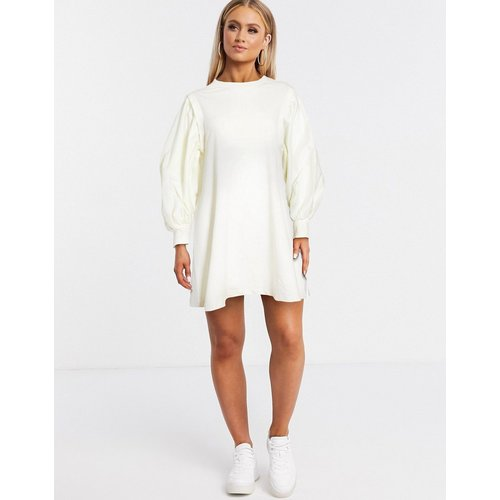 Robe sweat courte à manches bouffantes - ASOS DESIGN - Modalova