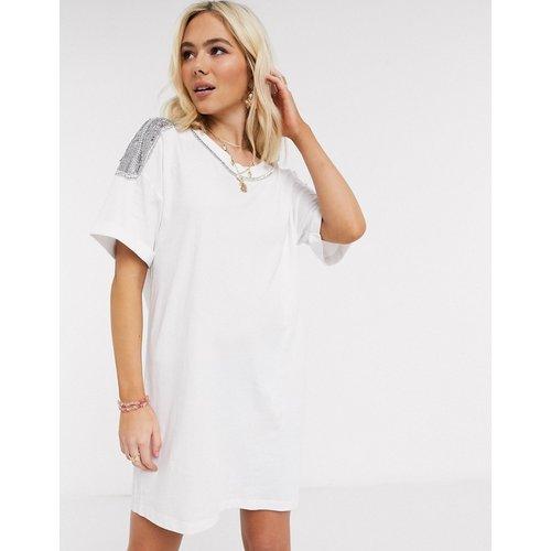 Robe t-shirt à ornements - ASOS DESIGN - Modalova