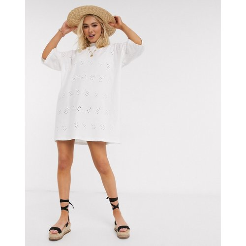  - Robe t-shirt brodée ultra oversize - ASOS DESIGN - Modalova