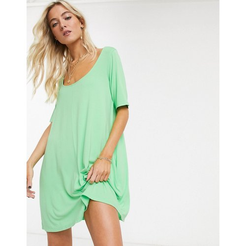 Robe t-shirt fluide avec poches dissimulées - ASOS DESIGN - Modalova