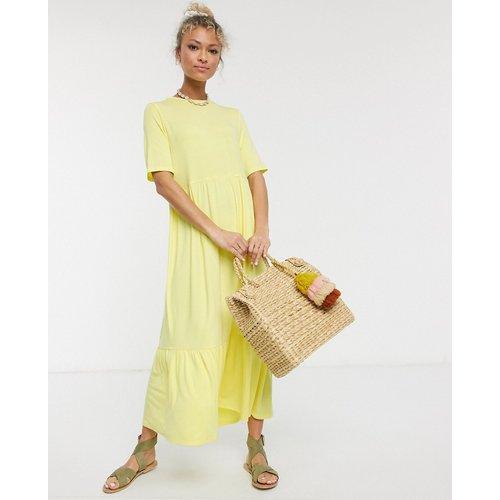 Robe t-shirt mi-longue à volants superposés - citron - ASOS DESIGN - Modalova