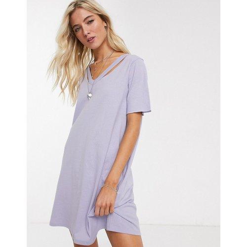 Robe t-shirt oversize à encolure déchirée - Lilas - ASOS DESIGN - Modalova