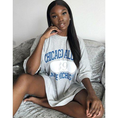 Robe t-shirt oversize à imprimé Chicago - ASOS DESIGN - Modalova