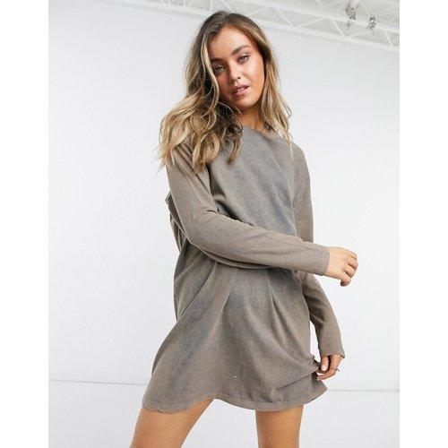 Robe t-shirt oversize à manches longues - Fauve délavé - ASOS DESIGN - Modalova