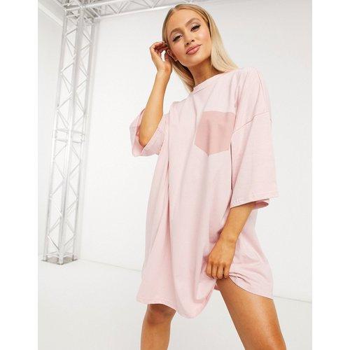 Robe t-shirt oversize à poche - ASOS DESIGN - Modalova