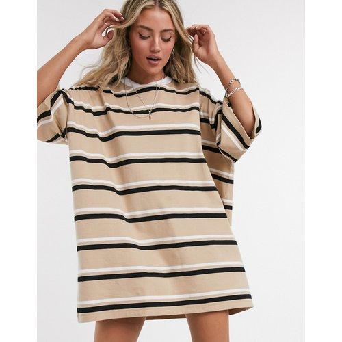 Robe t-shirt oversize à rayures - Fauve - ASOS DESIGN - Modalova