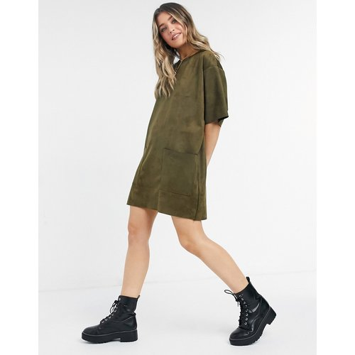 Robe t-shirt oversize en suédine avec poches - Kaki - ASOS DESIGN - Modalova