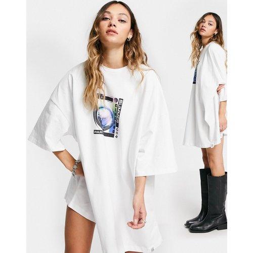 Robe t-shirt réversible oversize à imprimé espace - ASOS DESIGN - Modalova
