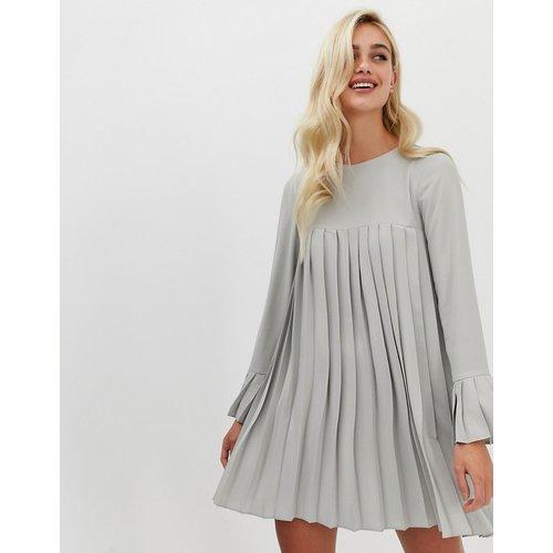 Robe trapèze courte plissée à manches longues - ASOS DESIGN - Modalova