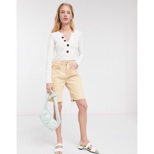 Short décontracté en jean à taille basse - Miel délavé - ASOS DESIGN - Modalova