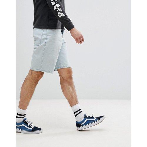 Short en jean coupe skateur - délavé clair - ASOS DESIGN - Modalova