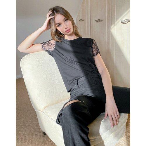 T-shirt avec manches en dentelle - ASOS DESIGN - Modalova