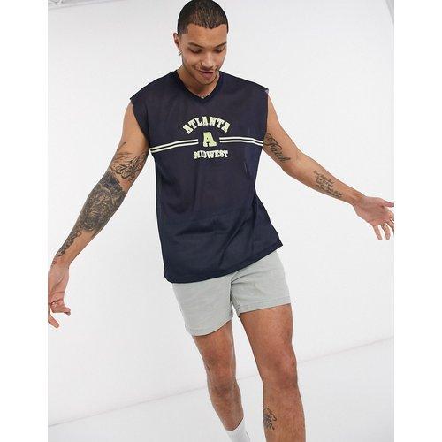 T-shirt col V sans manches oversize en tulle à imprimé ville sportive - ASOS DESIGN - Modalova