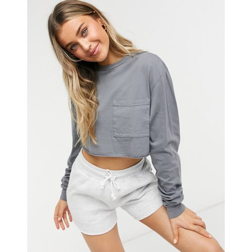 T-shirt crop top ultra court avec poche - délavé - ASOS DESIGN - Modalova