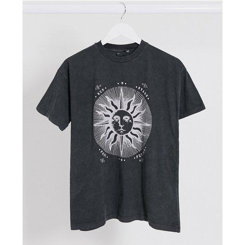 T-shirt délavé à imprimé solstice - ASOS DESIGN - Modalova
