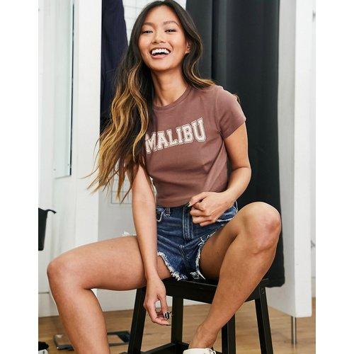 T-shirt effet rétréci à imprimé «Malibu» - ASOS DESIGN - Modalova
