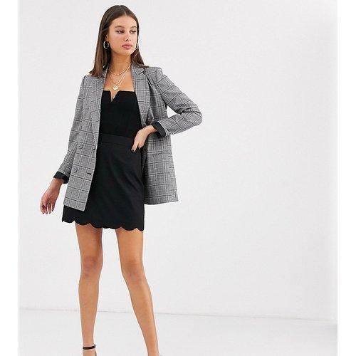 ASOS DESIGN Tall - Mini-jupe trapèze ajustée à ourlet festonné - ASOS Tall - Modalova