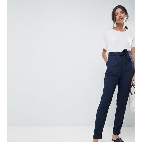 ASOS DESIGN Tall - Pantalon carotte tissé avec ceinture obi - ASOS Tall - Modalova