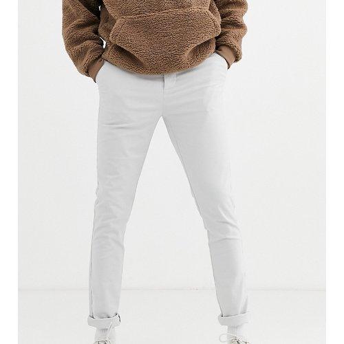 Tall - Pantalon chino ajusté - Gris glacé - ASOS DESIGN - Modalova