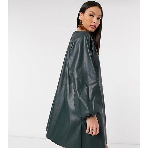 ASOS DESIGN Tall - Robe courte trapèze imitation cuir - forêt - ASOS Tall - Modalova