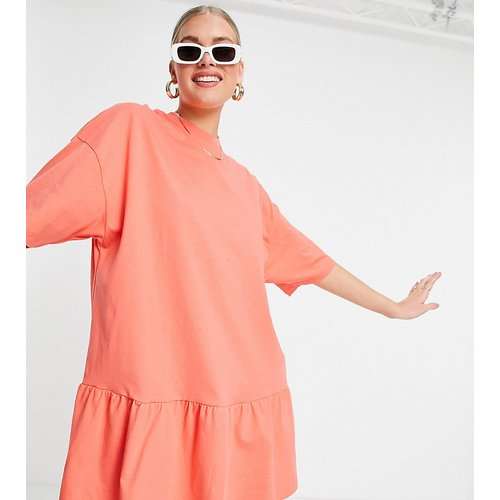Tall - Robe t-shirt oversize à ourlet volanté - ASOS DESIGN - Modalova