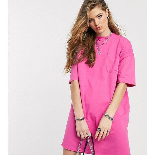 ASOS DESIGN Tall - Robe t-shirt oversize avec détail poche - vif - ASOS Tall - Modalova