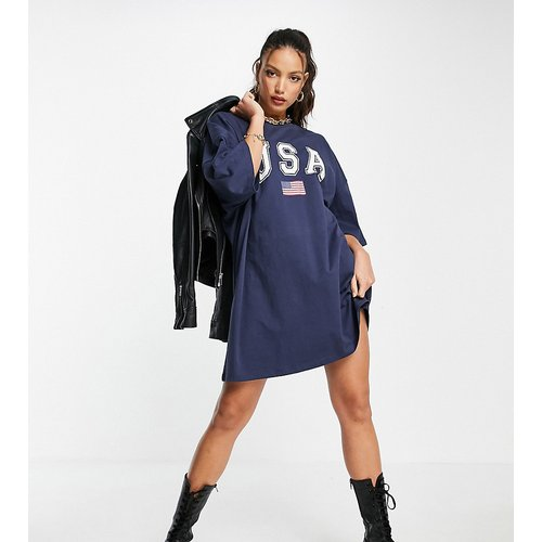 ASOS DESIGN Tall- Robe t-shirt oversizeavec logo USA - Bleu marine et blanc - ASOS Tall - Modalova