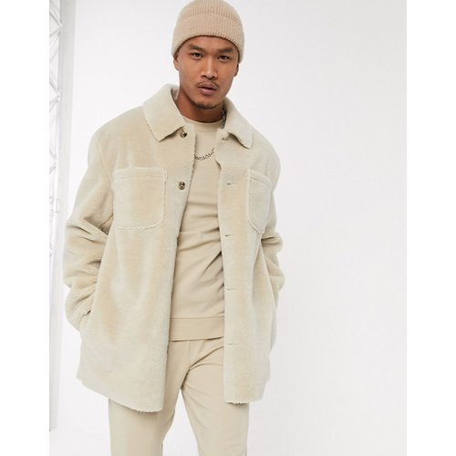 Veste en imitation peau de mouton - Écru - ASOS DESIGN - Modalova