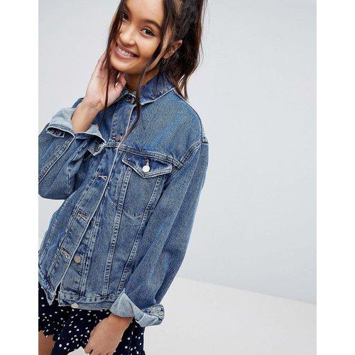 Veste en jean coupe girlfriend - moyen délavé - ASOS DESIGN - Modalova