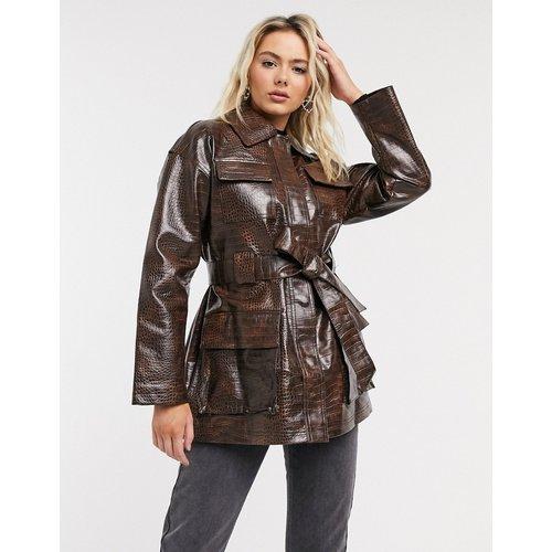 Veste imitation croco à quatre poches avec ceinture - foncé - ASOS DESIGN - Modalova