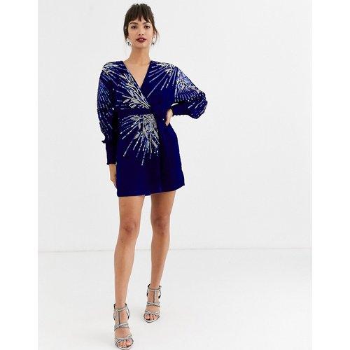 Robe courte cache-cœur ornée en velours - ASOS EDITION - Modalova