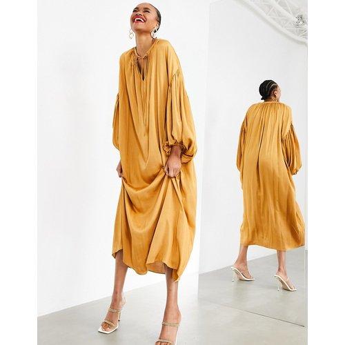 Robe longue oversize à manches ballon - Caramel - ASOS EDITION - Modalova