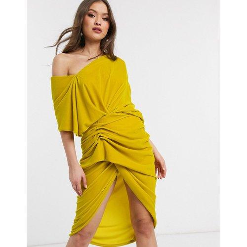 Robe mi-longue asymétrique drapée en velours - ASOS EDITION - Modalova