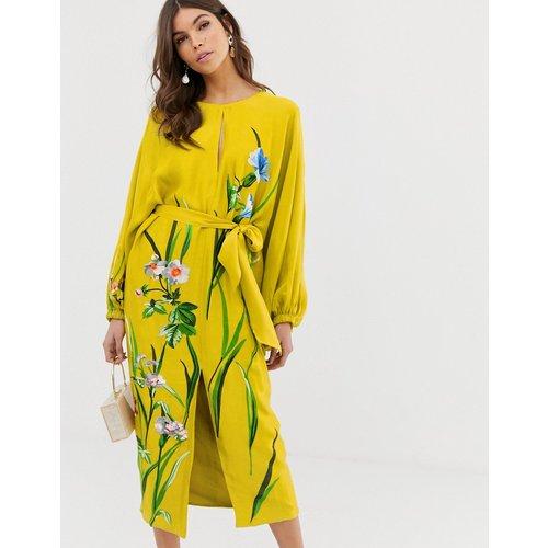 Robe mi-longue en satin à ceinture avec broderie florale - ASOS EDITION - Modalova