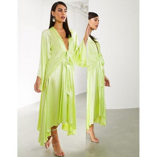 Robe mi-longue nouée sur l'avant à manches kimono extrèmes - ASOS EDITION - Modalova