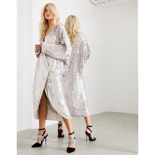 Robe mi-longue ornée coupe cache-cœur oversize à manches drapées - ASOS EDITION - Modalova