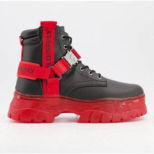 ASOS - Unrvlld Spply - Bottes lacées en similicuir avec bandes rouges et semelle épaisse - Noir - ASOS Unrvlld Supply - Modalova