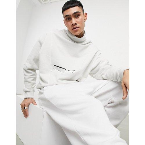 ASOS - Unrvlld Supply - Sweat-shirt oversize à col cheminée - ASOS Unrvlld Supply - Modalova