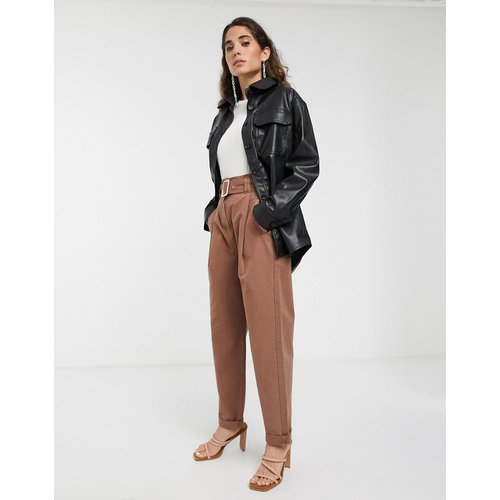 Pantalon avec ceinture et ourlet à revers - ASOS WHITE - Modalova