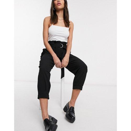 Pantalon décontracté à taille haute et ceinture - Bershka - Modalova