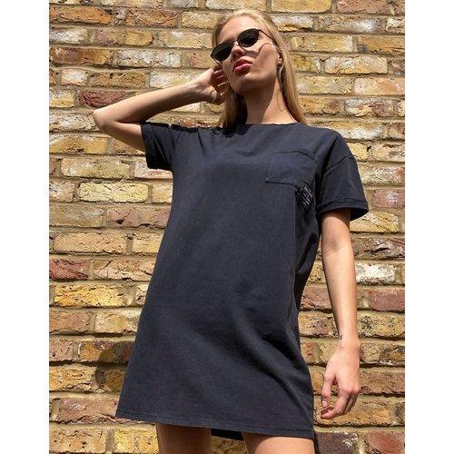 Robe t-shirt oversize délavée - Bershka - Modalova