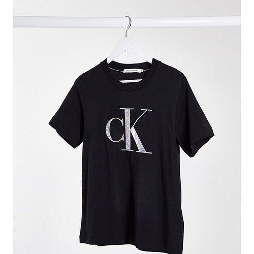 Calvin Klein JeansPlus - T-shirt avec logo irisé à effet métallisé - Calvin Klein Jeans Plus - Modalova