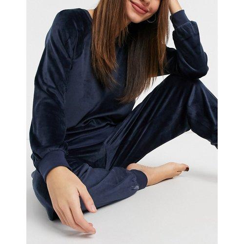 Ensemble confort sweat-shirt et jogger en polaire ultra douce de polyester recyclé - Bleu marine - Chelsea Peers - Modalova