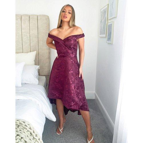Robe mi-longue asymétrique à encolure style Bardot - Baie - chi chi london - Modalova