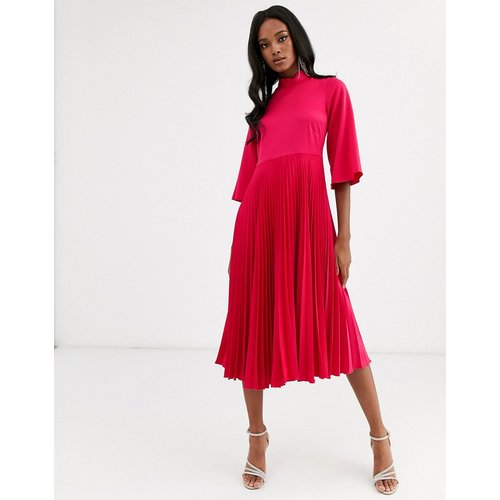 Robe mi-longue plissée en satin - Fuchsia - closet london - Modalova