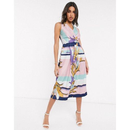 Closet - Robe mi-longue effet cache-cœur à imprimé foulard - closet london - Modalova