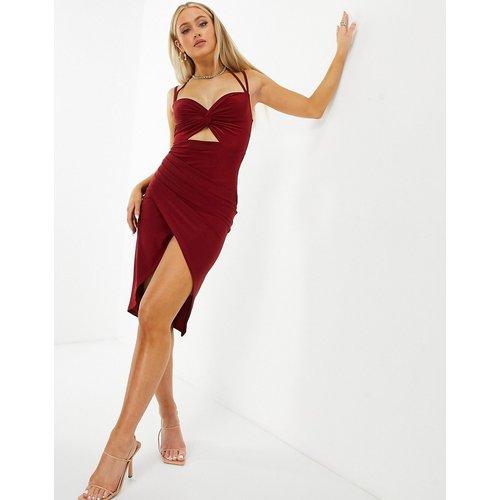 Robe moulante près du corps à découpes - Rouge - Club L London - Modalova