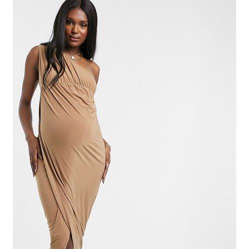 Club L London- Robe longue de maternité asymétrique près du corps avec fente hauteur cuisse - Club L Maternity - Modalova